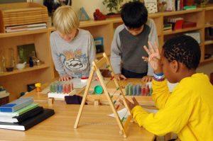 Pédagogie Montessori à l'école primaire