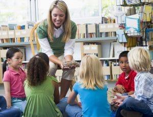 Jeu coopératif en maternelle : quel rôle pour l'enseignant ?